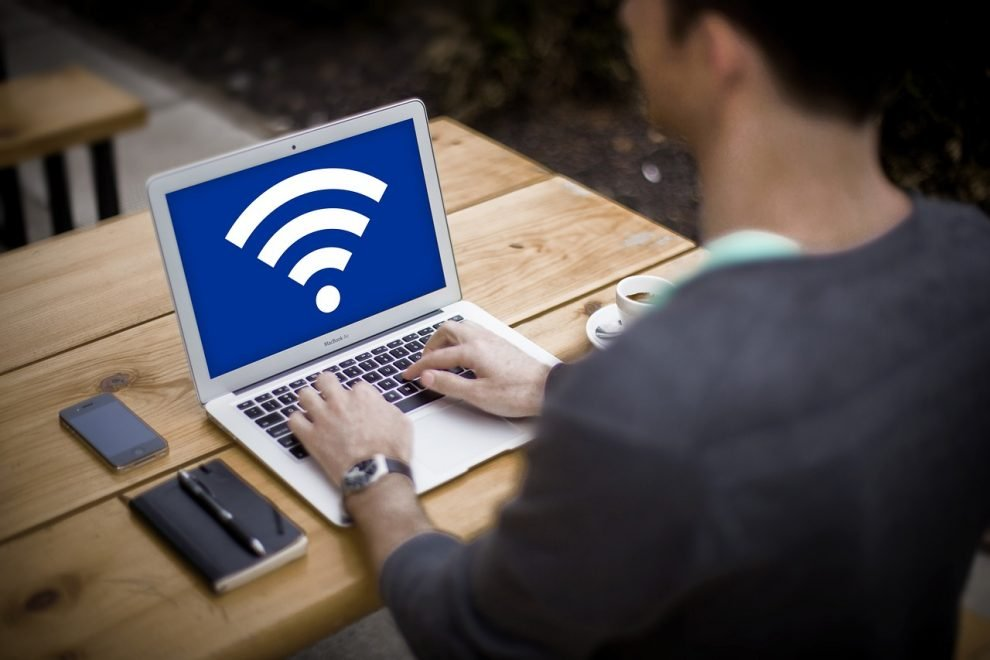 FBI-Warns-Teleworkers-of-the-Risks-of-Using-Hotel-Wi-Fi-Networks-990x660.jpg