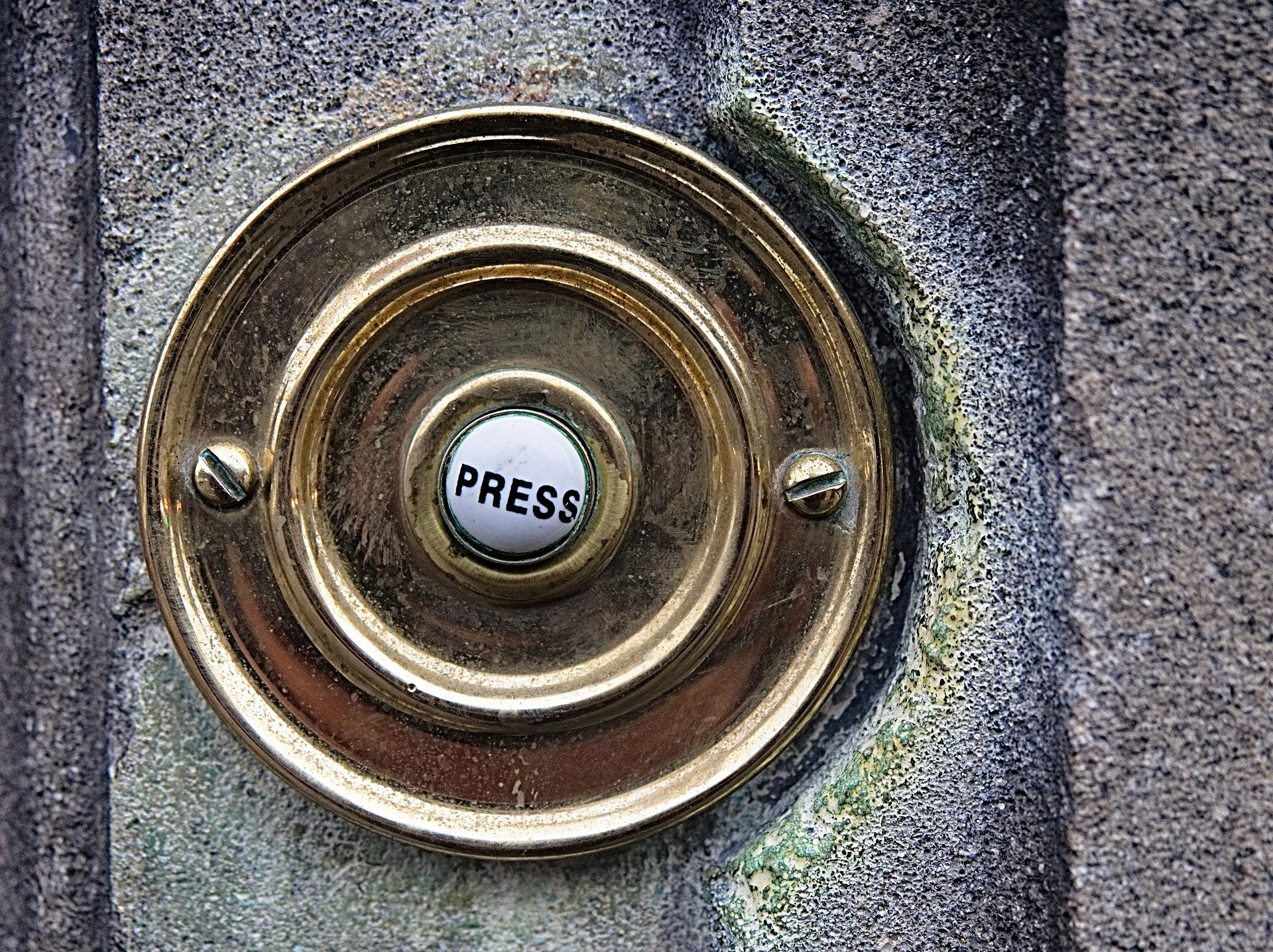 doorbell-1926488_1920.jpg