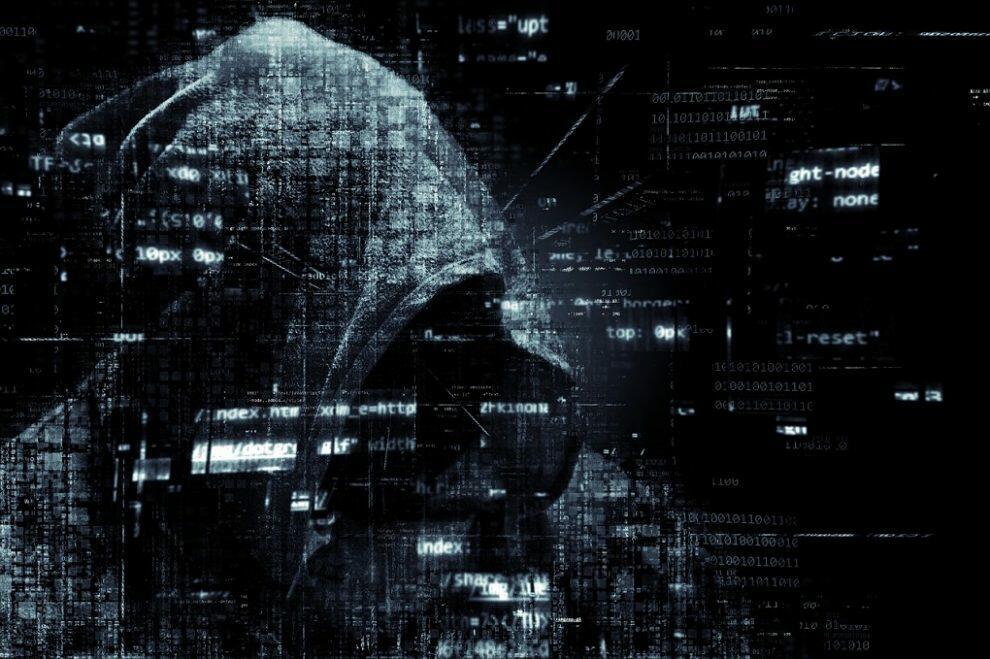 hacker-2300772_1280-990x659.jpg